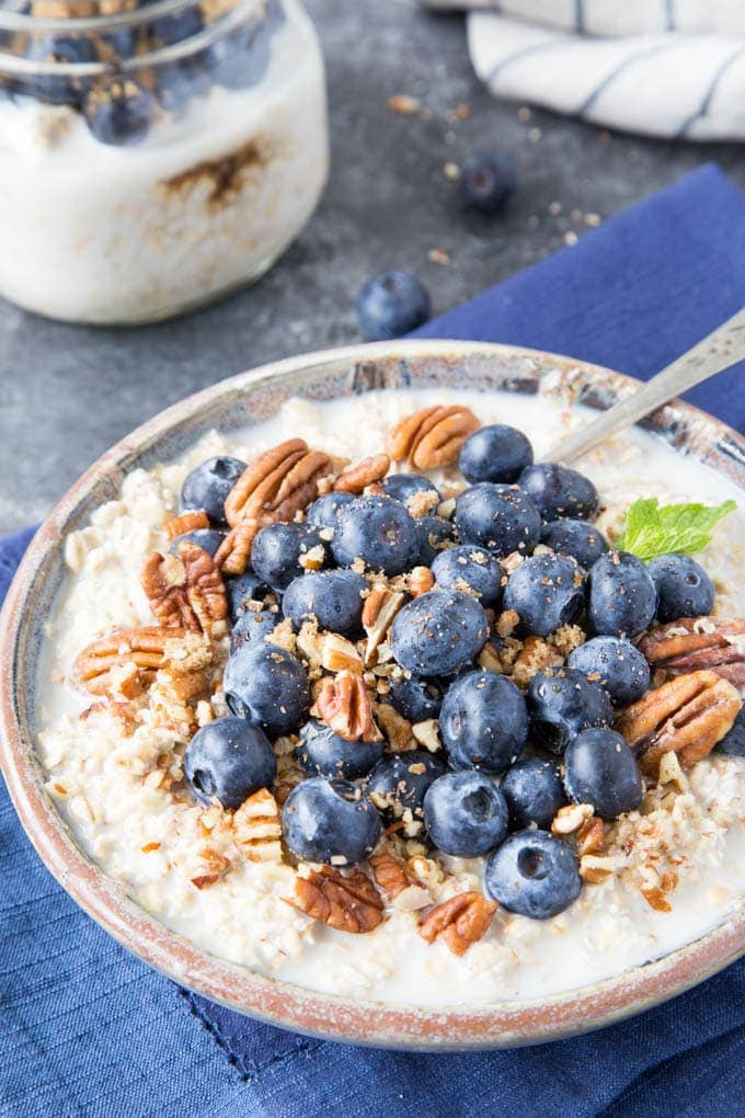 Simple Blueberry Almond Overnight Oats