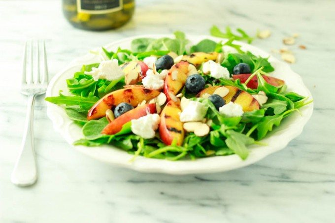 grilled nectaine salad with blueberries
