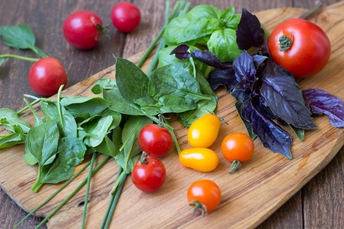 herbed tomato bruschetta ingredients-1