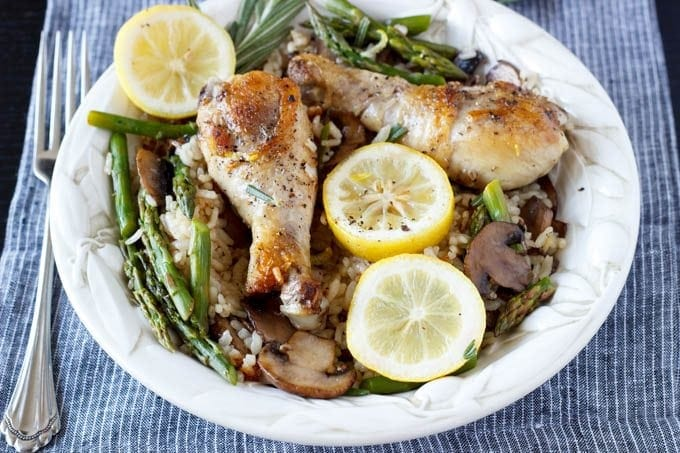 one pot tuscan lemon chicken with mushrooms and asparagus