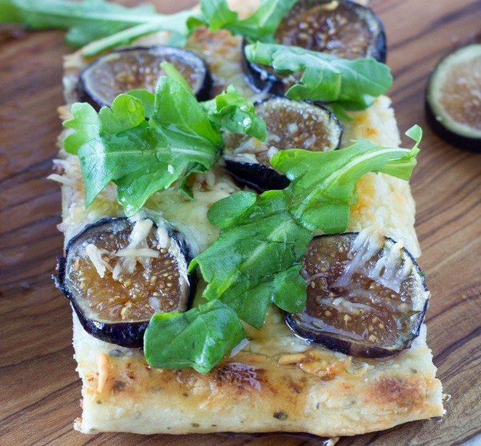 fig and goat cheese flatbread slice