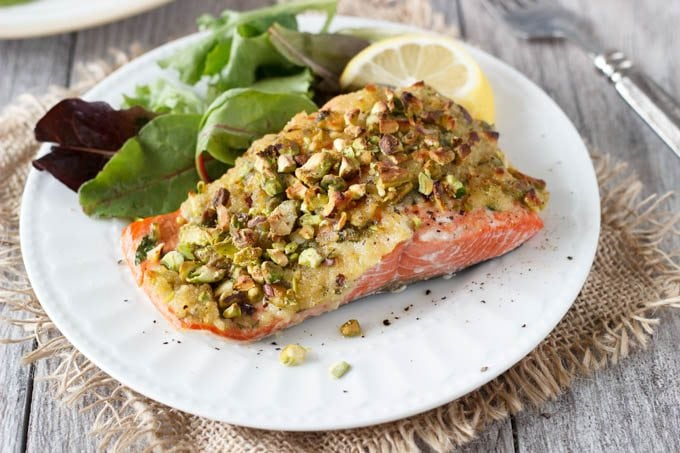 how to cook salmon with pistacio