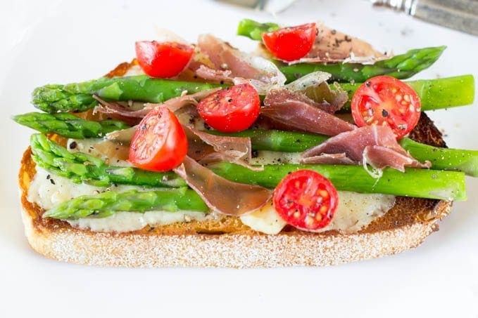 open face greyere and asparagus-simplehealthykitchen.com_