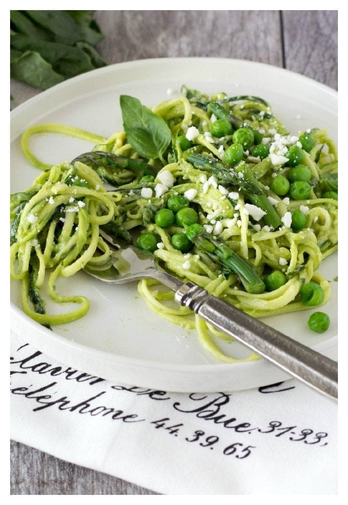 how to use a julienne peeler to make zucchini noodles