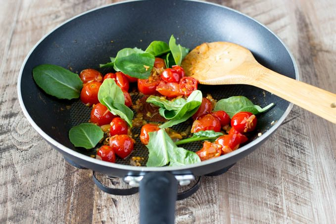 tomatoes spinach for no bake lasagna- simplehealthykitchen.com