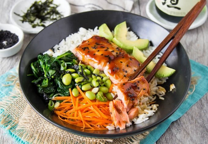 teriyaki-salmon-bowl featured