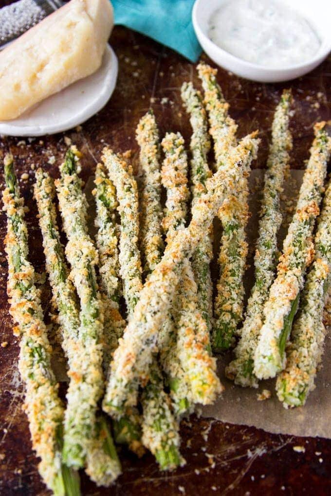 Baked Asparagus + Creamy Parmesan Dipping Sauce