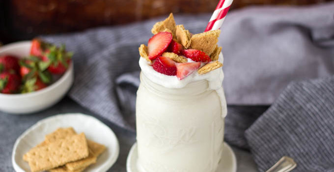 Strawberry Cheesecake Protein Smoothie