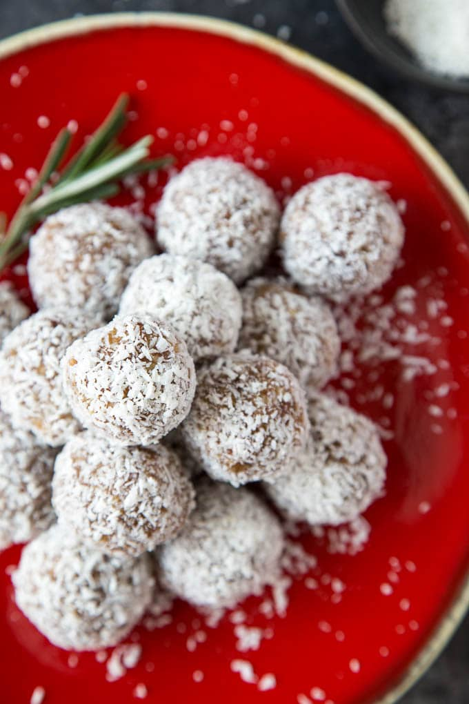 snowball coconut date energy bites 1